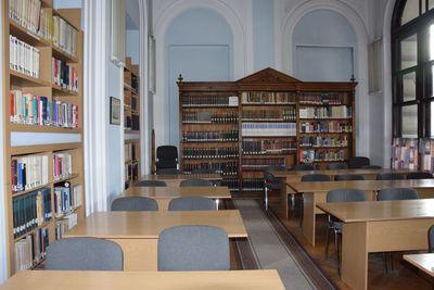 Biblioteka - czytelnia główna
